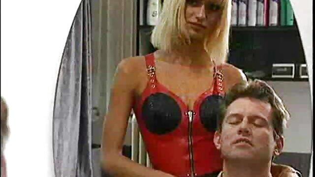 Mamá sexy con tetas caídas obtiene sexo videos porno para ver gratis tabú