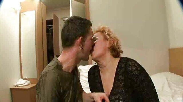 Quiero que me pagues en mis videos porno subtitulado en español pantimedias JOI