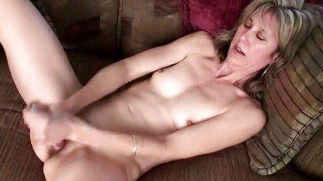 Follando a mamá en mis videoporno calzoncillos