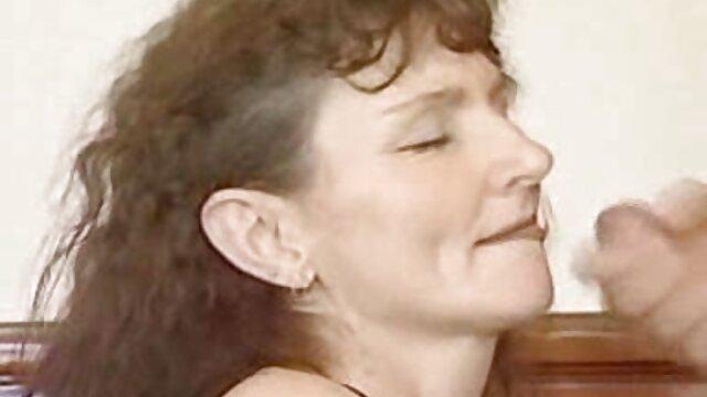 Britt tirando cockrides en carsex con videos adultos xxx oficial